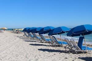 beach-588001_640